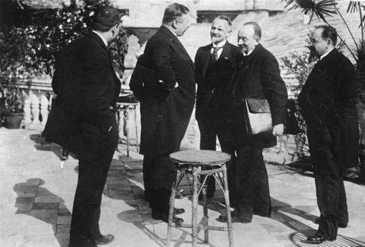Układ w Rapallo - postanowienia traktatu oraz jego znaczenie dla Niemiec i RFSRR