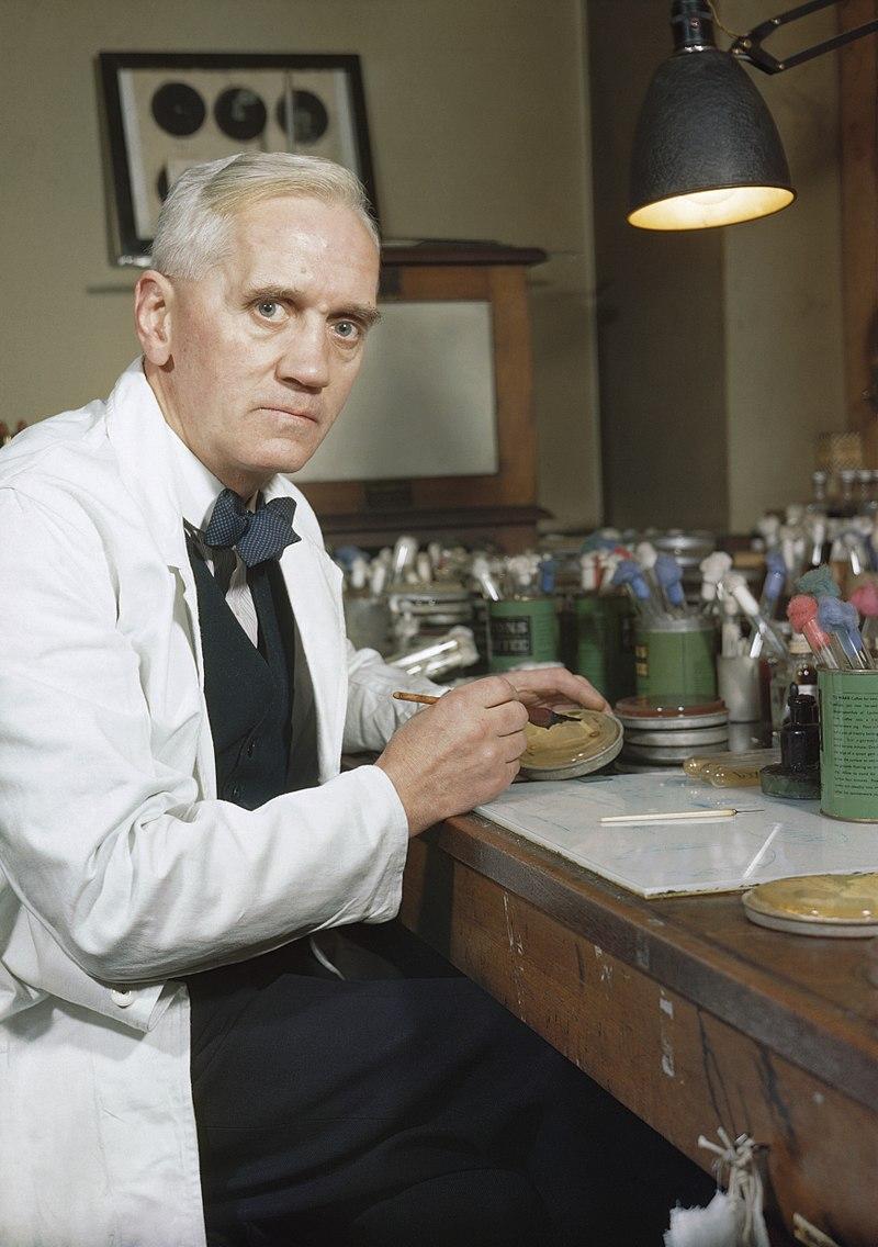 Alexander Fleming w swoim laboratorium podczas pracy nad penicyliną, a także inne ważne wynalazki