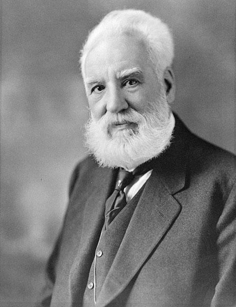 Alexander Graham Bell na fotografii z około 1914-1919 r., wynalazca telefonu i inne ważne wynalazki