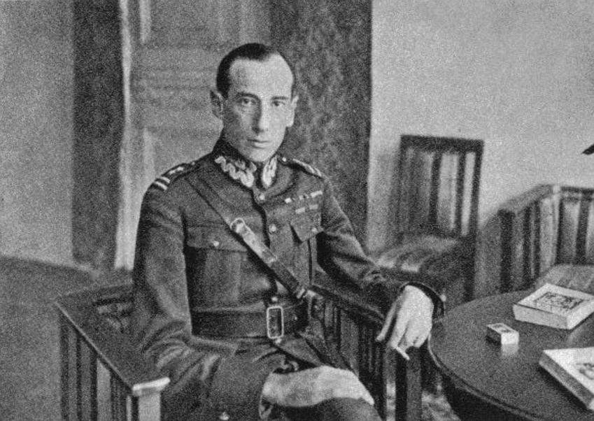 Józef Beck minister w rządzie Sanacji Józefa Piłsudskiego, a także opis rządów Sanacji od przewrotu w 1926 roku