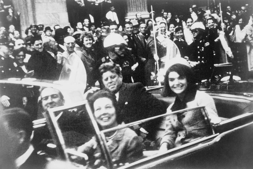 Jackie Kennedy z mężem chwilę przed zamachem na Kennedy'ego, a także historia ich małżeństwa, ciekawostki o Jackie Kennedy Onasis