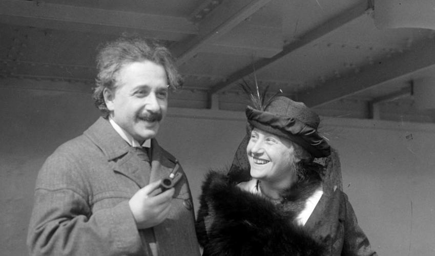 Albert Einstein z żoną na promie, a także najbardziej inspirujące cytaty z Alberta Einsteina