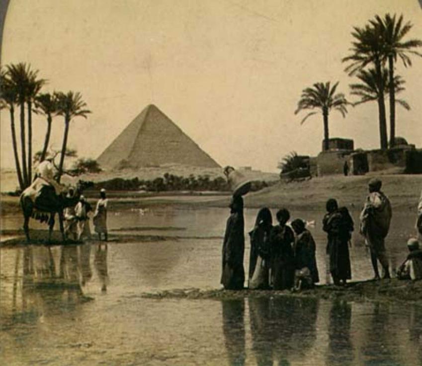 Piramida Cheopsa w Egipcie, czyli jeden z 7 cudów świata, a także informacje o budowlach, miejsca, daty i historia