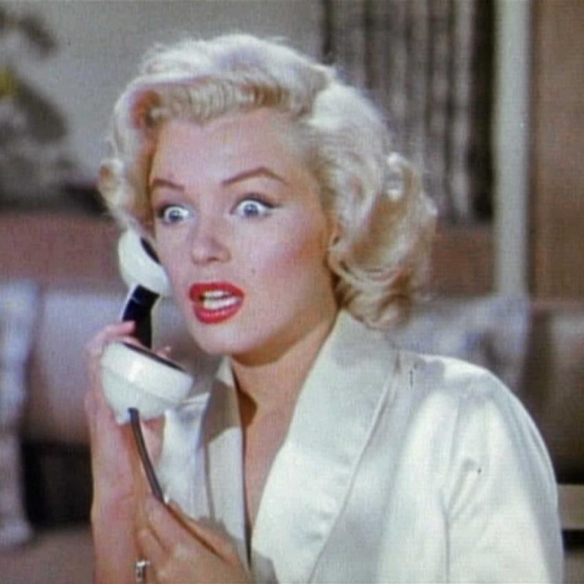 Kadr z filmu Mężczyźni wolą blondynki, który przyniósł sławę Marilyn Monroe, a także inne filmy aktorki