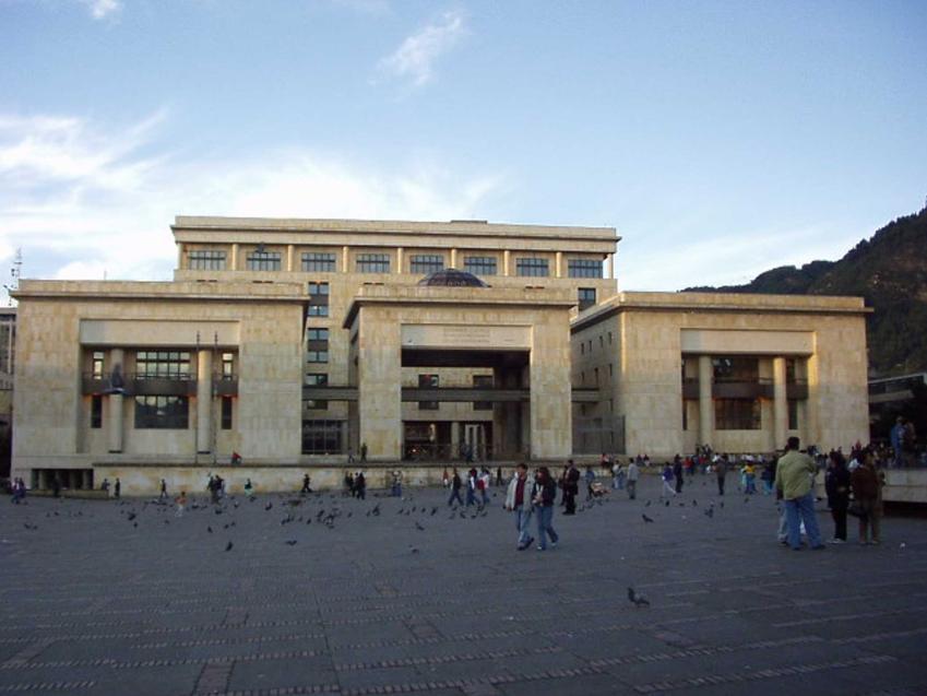Sąd w Bogocie, w któym skazano Pablo Escobara, a także inforamcje o królu kokainy i historia narkotykowego barona