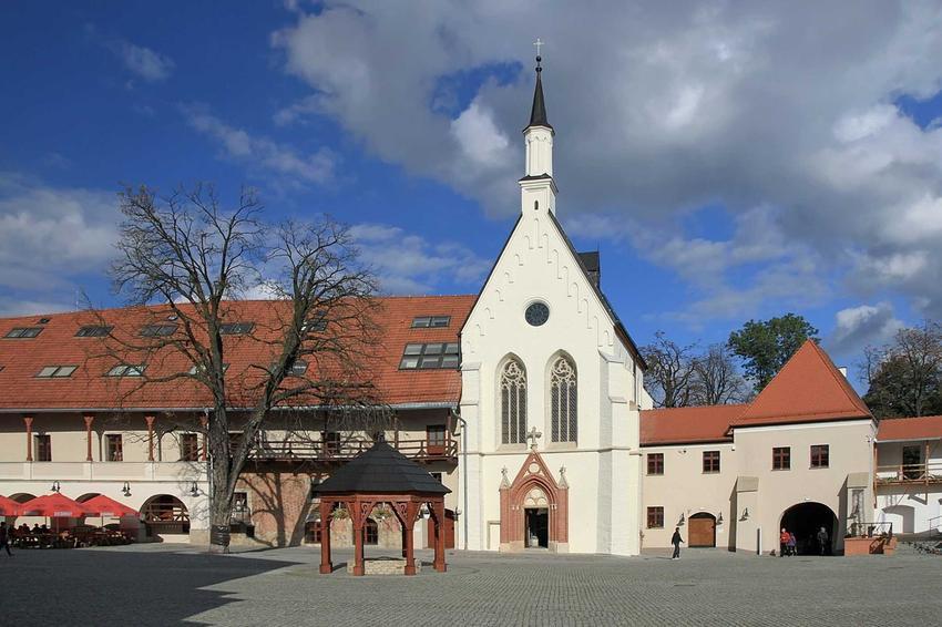 Zamek w Raciborzu po remoncie, a także informacje o jego władcy - Mieszku I Plątonogim, biografia i osiągniecia
