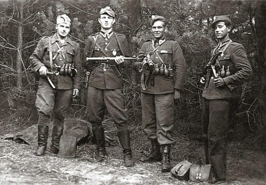 Żołnieże Wyklęci w lesie, czyli bohaterowie antykomunistycznego podziemia, daty, najważniejsze wydarzenia, bohaterowie