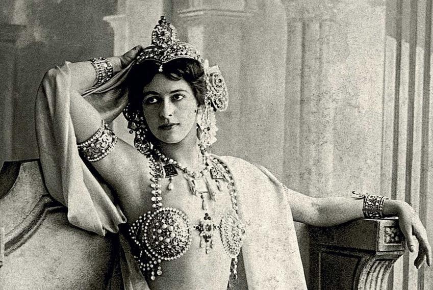 Mata Hari, egzotyczna tancerka, a także pochodzenie, życiorys, zawód, dokonania i śmierć