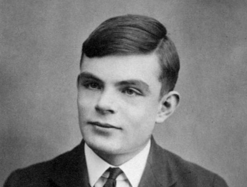 Alan Turing, najwybitniejszy matematyk wszechczasów, a także życiorys, wkład w matematykę i informatykę, życie prywatne, osiagniecia