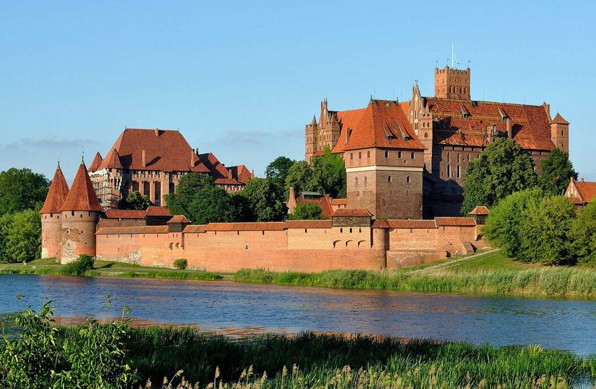 Zamek a Malborku, a także oblężenie Malborka w czasie wojny trzynastoletniej, daty, przyczyny, przebieg i najważniejsze informacje