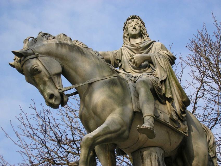 Ludwik XIII, król Francji, a także jego działalność, polityka zagraniczna i wewnętrzna, objęcie tronu oraz znaczenie i biografia króla
