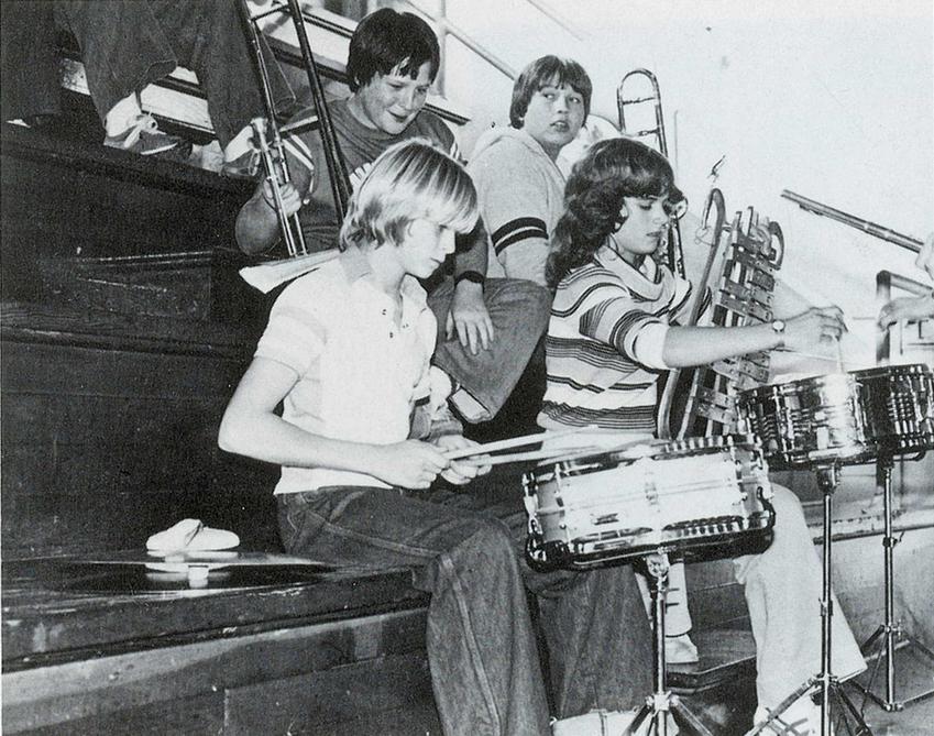 Kurt Cobain i jego droga od artysty do narkomana, najważniejsze informacje, piosenki, życiowys, okoliczności śmierci