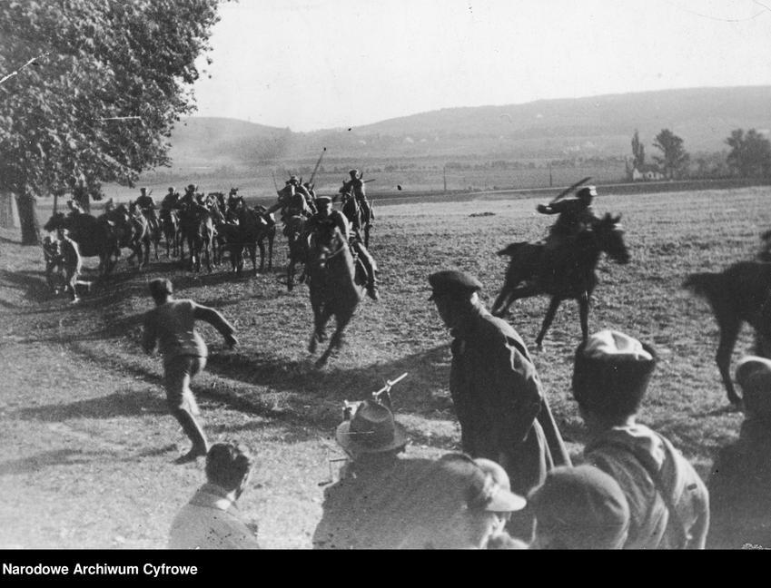 Inscenizacja szarży kawalerii