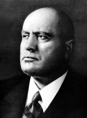 Benito Mussolini - duce - przywódca Włoch i sojusznik nazistowskich Niemiec w czasie II Wojny Światowej