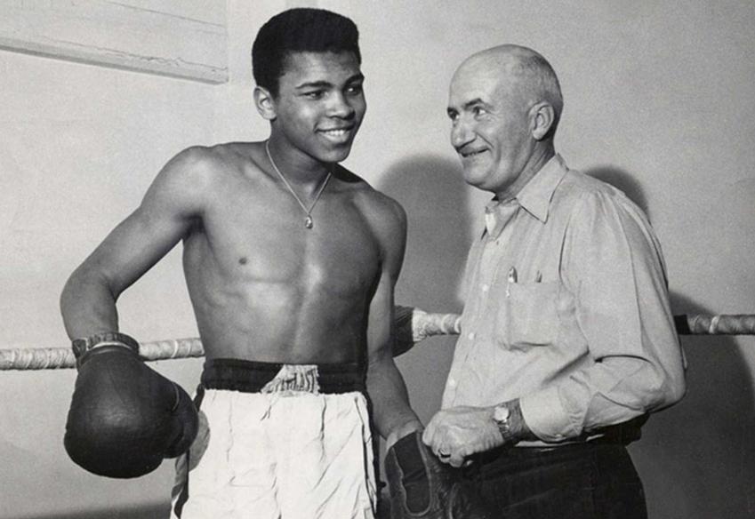 Muhammad Ali i jego kariera, życiorys boksera, największe osiągnięcia, działalność, okoliczności śmierci