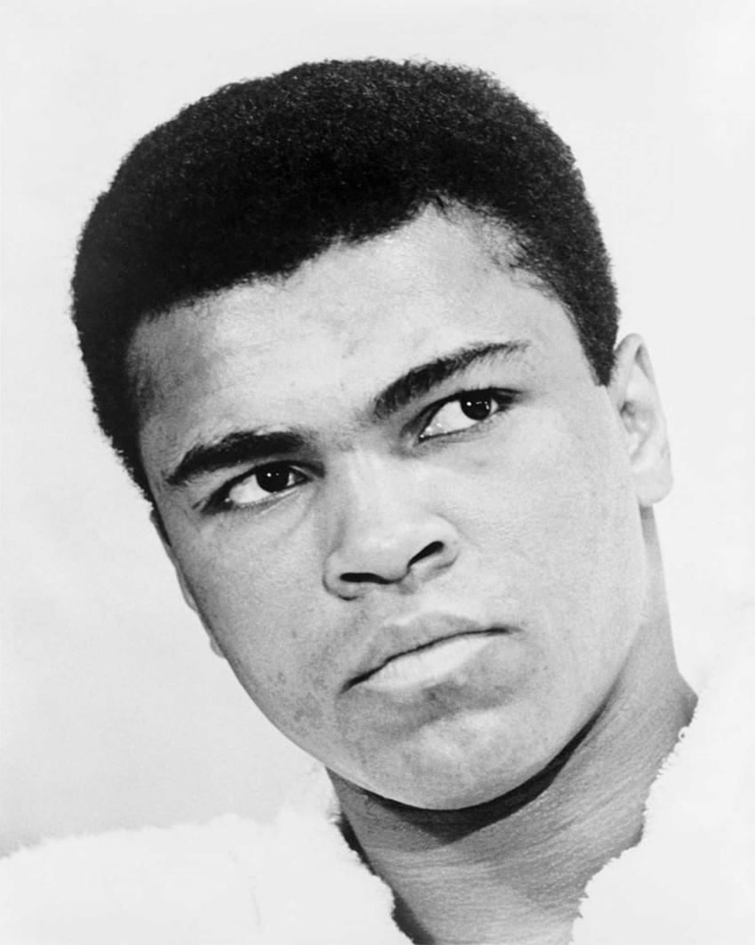 Muhammad Ali i jego życiorys, czyli kariera, największe osiągnięcia oraz śmierć i życie prywatne