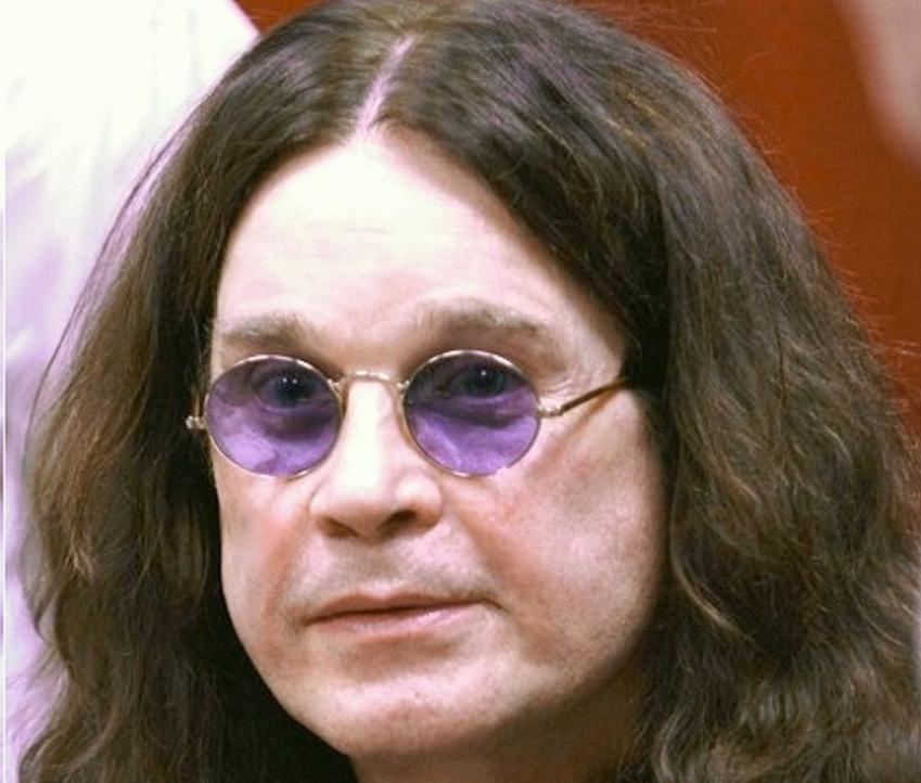 Ozzy Osbourne krok po kroku, czyli pochodzenie piosenkarza, kariera, działalność w zespole Black Sabath, najważniejsze informacje i kontrowersje
