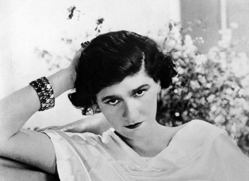 10 najlepszych cytatów z Coco Chanel, czyli najbardziej znane słowa Coco Chanel, które stały się sentencjami