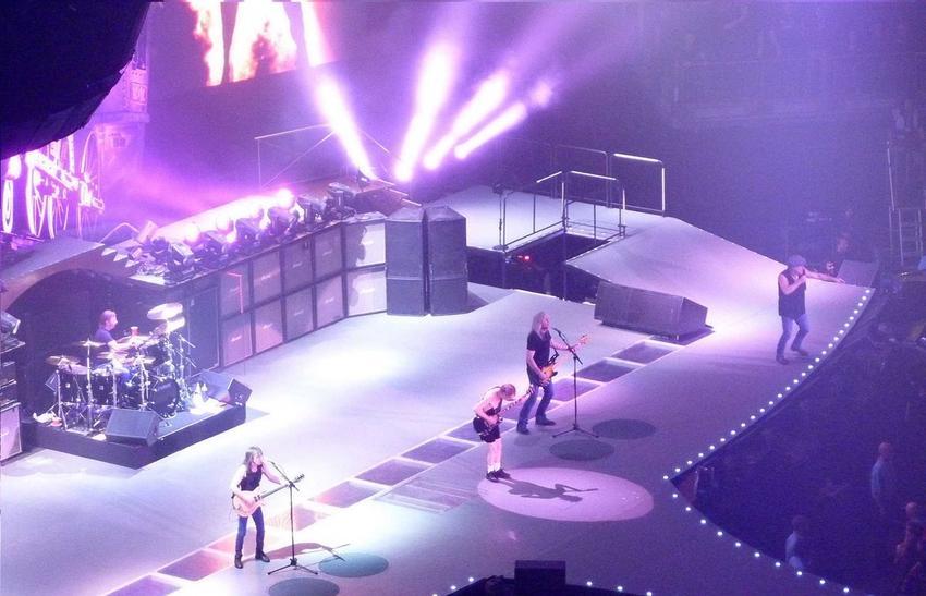 Historia zespołu AC/DC, czyli członkowie, powstanie, najważniejsze informacje, dyskografia oraz przeboje i największy hity