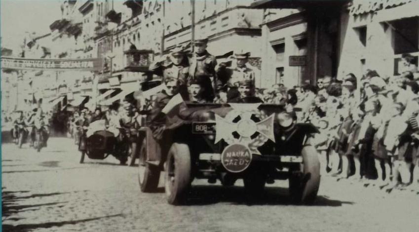 Pochody pierwszomajowe, czyli jak to się zaczęło, obchody święta I maja przed wojną i w Polsce PRL