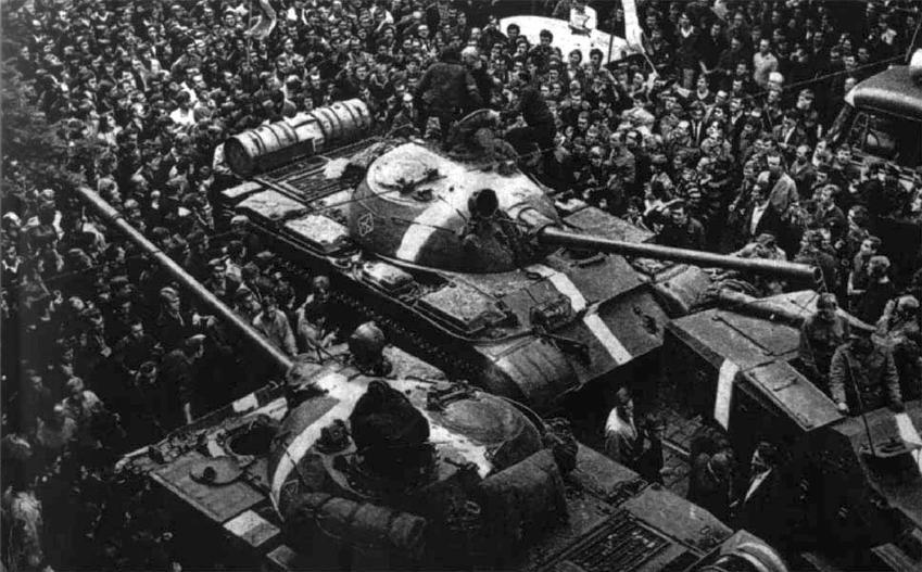 Interwencja w Czechosłowacji krok po kroku, czyli przebieg zdarzeń, data, ciekawostki oraz konsekwencje polityczne