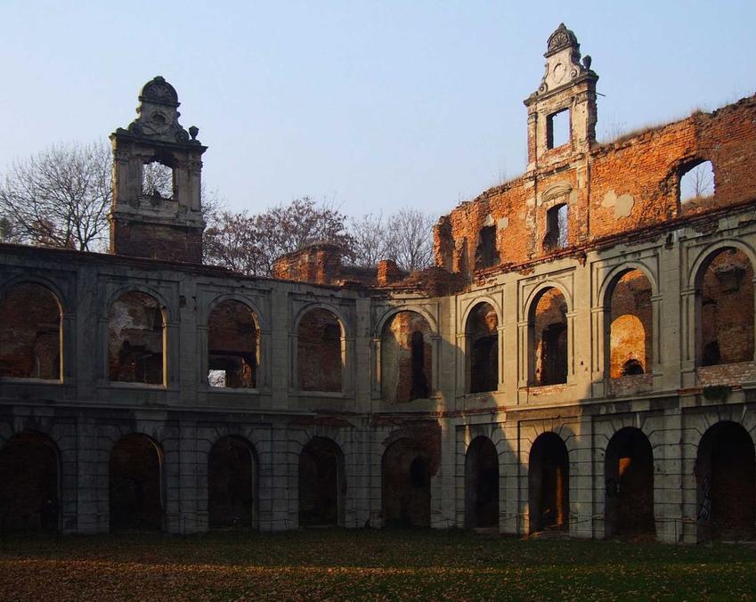 TOP 10 najpiękniejszych pałacy i zamków, które znajdują się w Polsce, czyli opuszczone ciekawe budowle krok po kroku