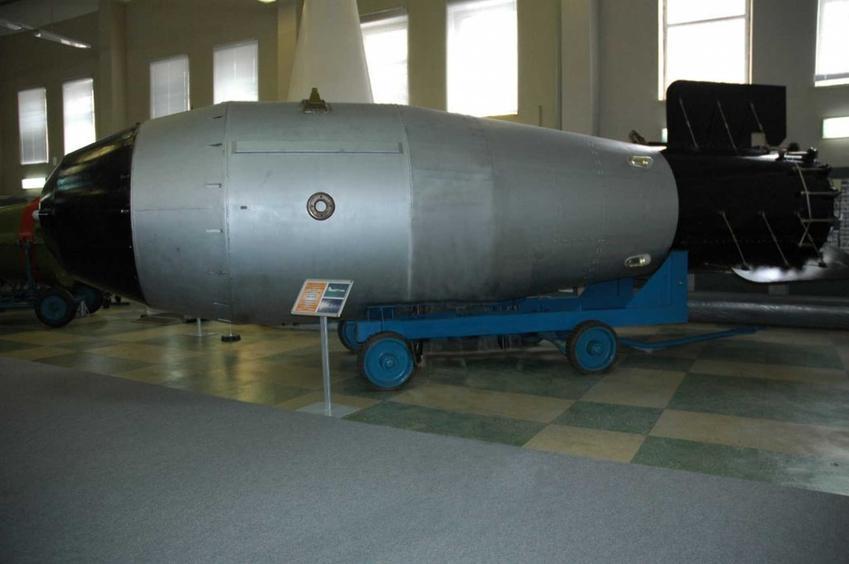 Car-bomba, czyli historia wielkiego pocisku rosyjskiego, jej nazwa, masa, detonacja oraz jej skutki i przebieg