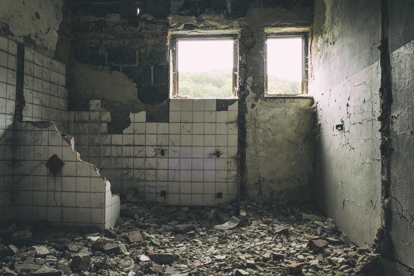 Szpital Widmo w Legnicy, czyli opuszczony szpital w środku lasu, a także jego historia, czasy II wojny i czasy radzieckie