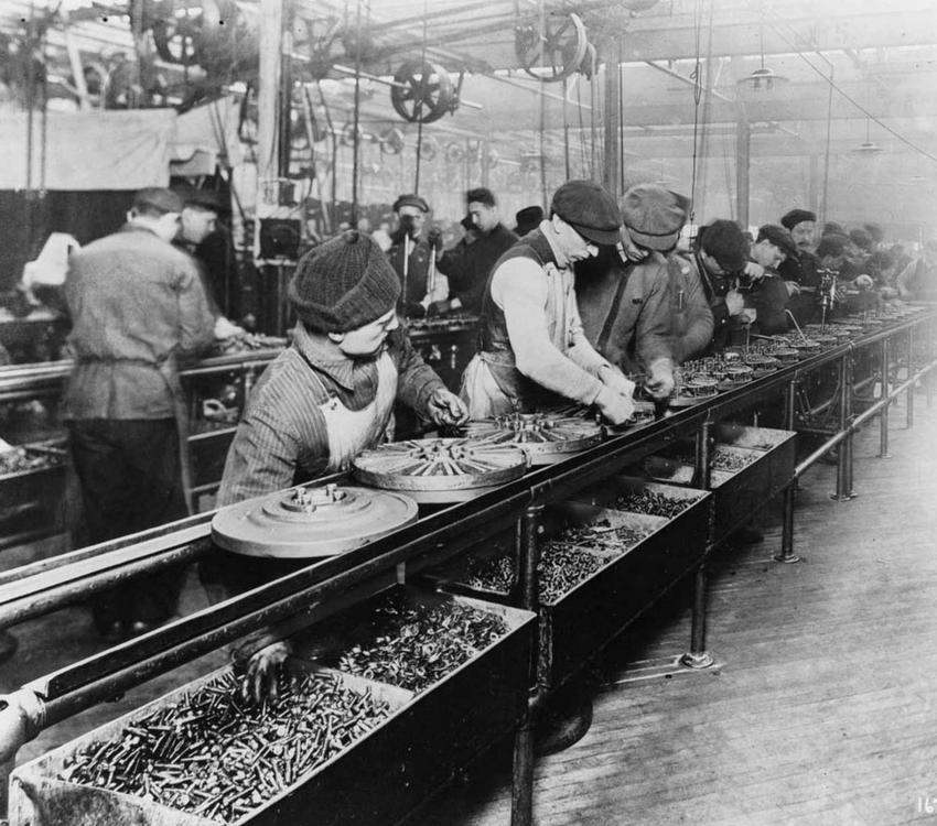Henry Ford i jego najważniejsze dokonania, czyli życiorys, ciekawostki o powstaniu samochodów, uruchomienie fabryki