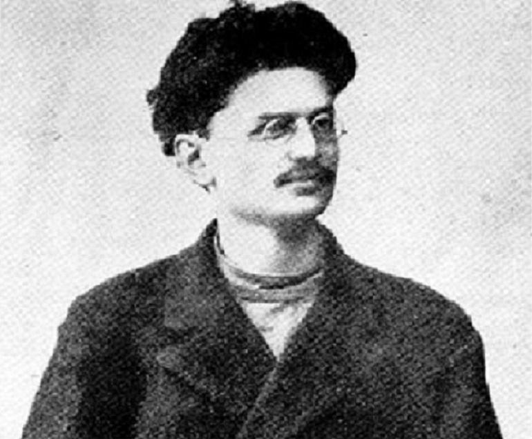 Lew Trocki to rewolucjonista i przeciwnik Stalina, jego rola w historii XX wieku jest nie do przecenienia - na fotografii po zesłaniu na Syberię