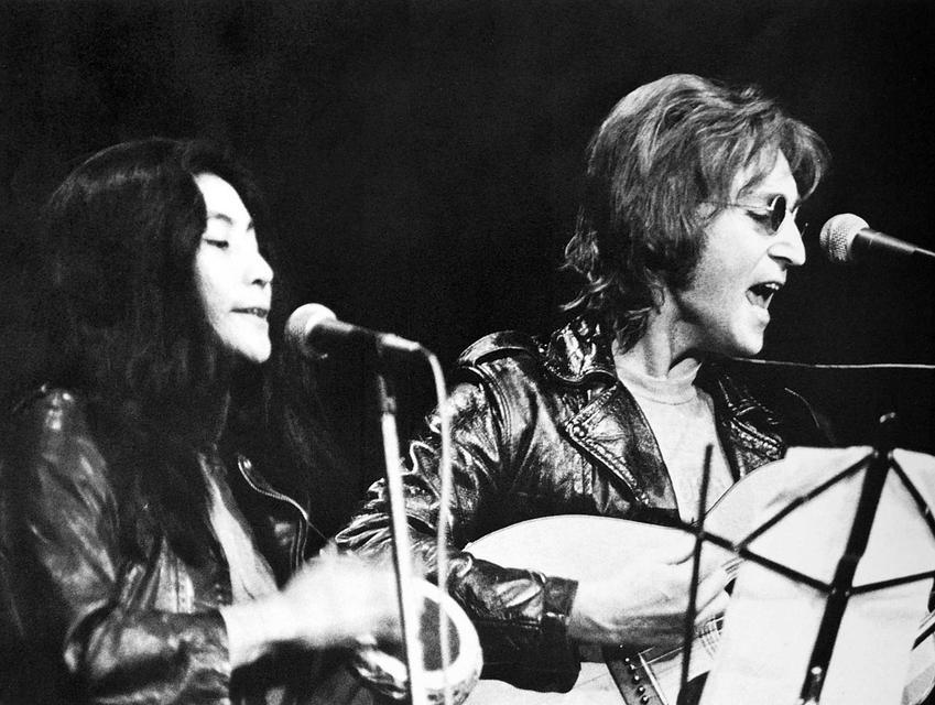 John Lennon i Yoko Ono, czyli kulisy historii, najważniejsze informacje, związek, wpływ Yoko na Beatelsów