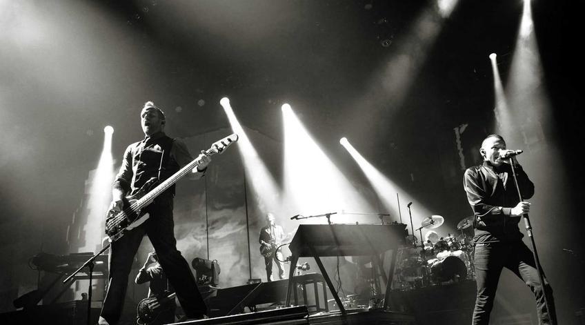 Chester Bennington, lider zespołu Linkin Park, a także życie, twórczość oraz okoliczności śmierci muzyka