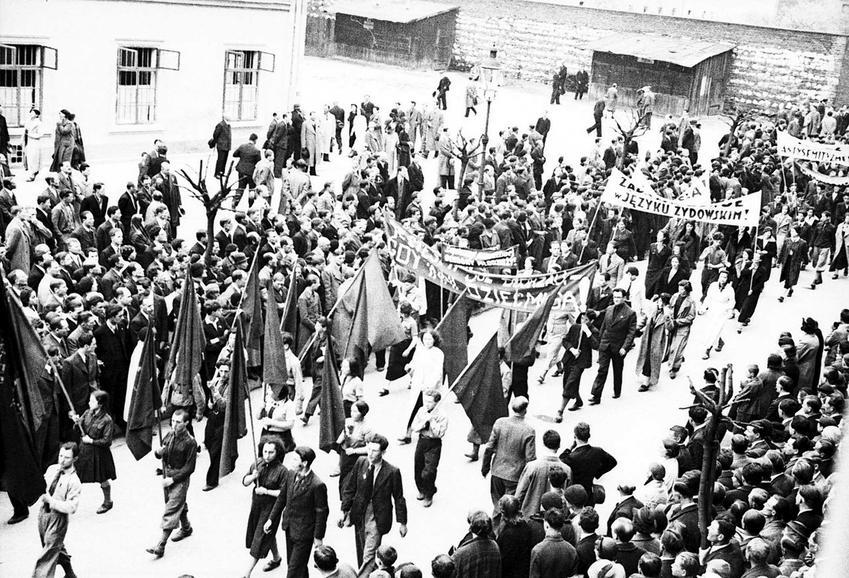 Święta Państwowe z PRLu, czyli jak wyglądały obchody pierwszego maja i innych świąt państwowych krok po kroku