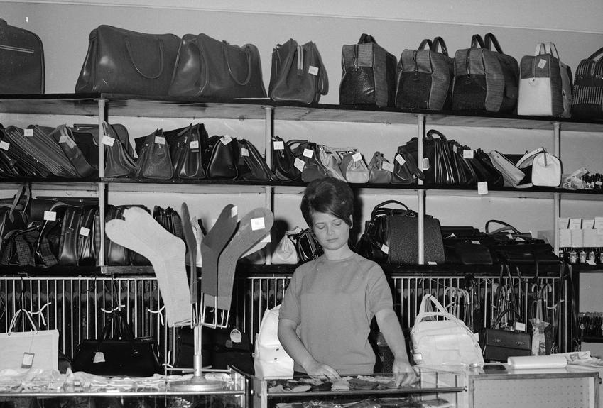 Ceny odzieży w PRL, czyli ceny żywności, podstawowych produktów oraz co można było kupić w PRL