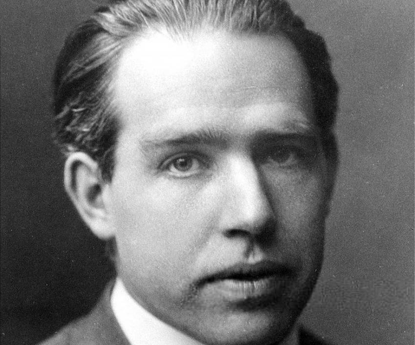 Niels Bohr i jego wyjątkowy życiorys, czyli biografia, odkrycia oraz najważniejsze nagrody i odznaczenia