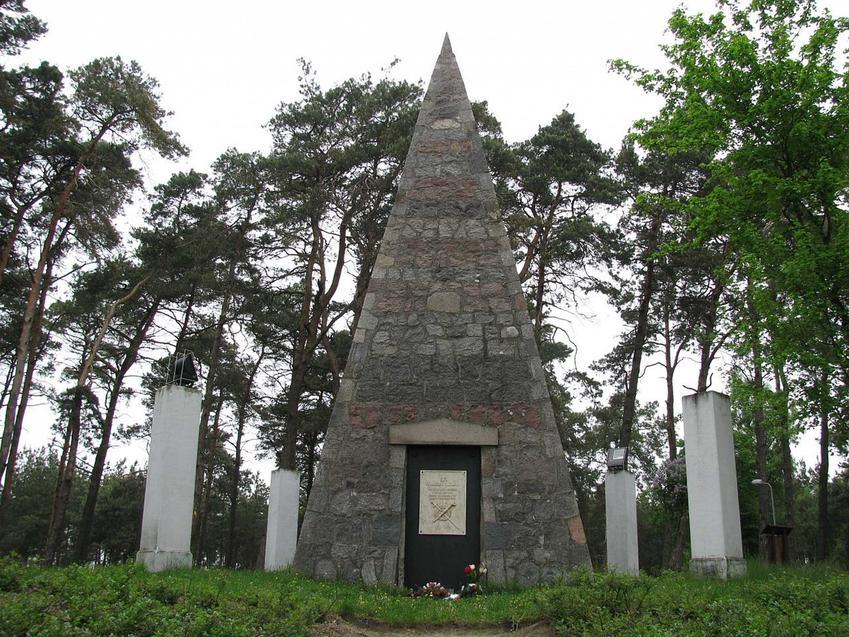 Piramidy w Polsce, czyli stare zabytki i grobowce w formie piramidy i ich historia