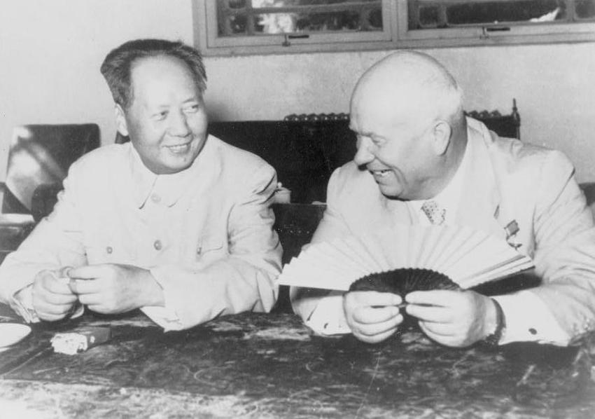 Zimna wojna - spotkanie Mao Zedonga z Chruszczowem, a także inne gorące wojny w jej czasie