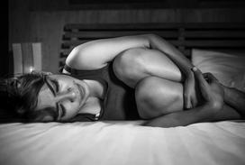 Gdy brakuje podpasek, czyli jak kobiety radziły sobie z miesiączką w PRL