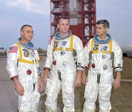 Wygiągnijcie nas! - 27 stycznia 1967 roku trzech astronautów zginęło w pożarze kabiny załogowej statku Apollo